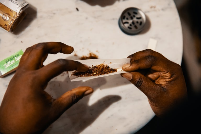How to Roll a Hash Joint Made With Tobacco