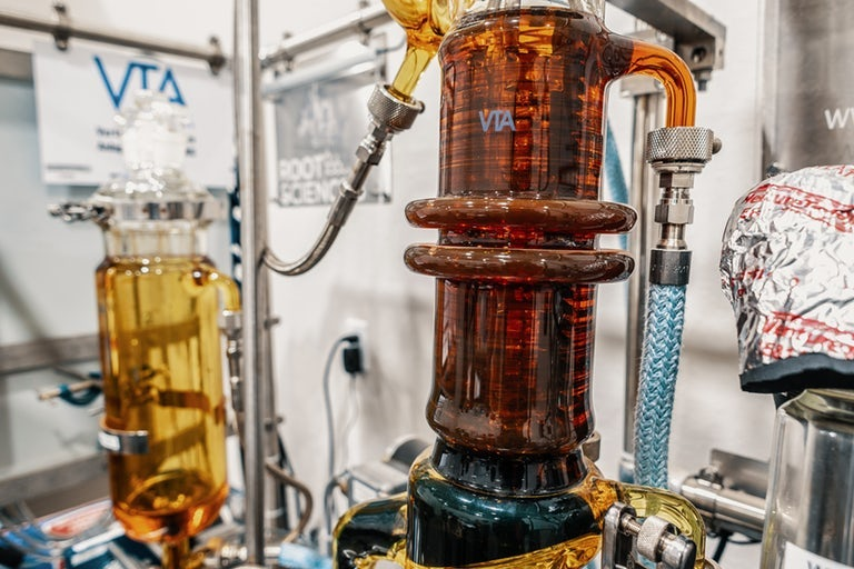 Ethanol Extraction vs  CO2 Extraction: What Is The Best Way